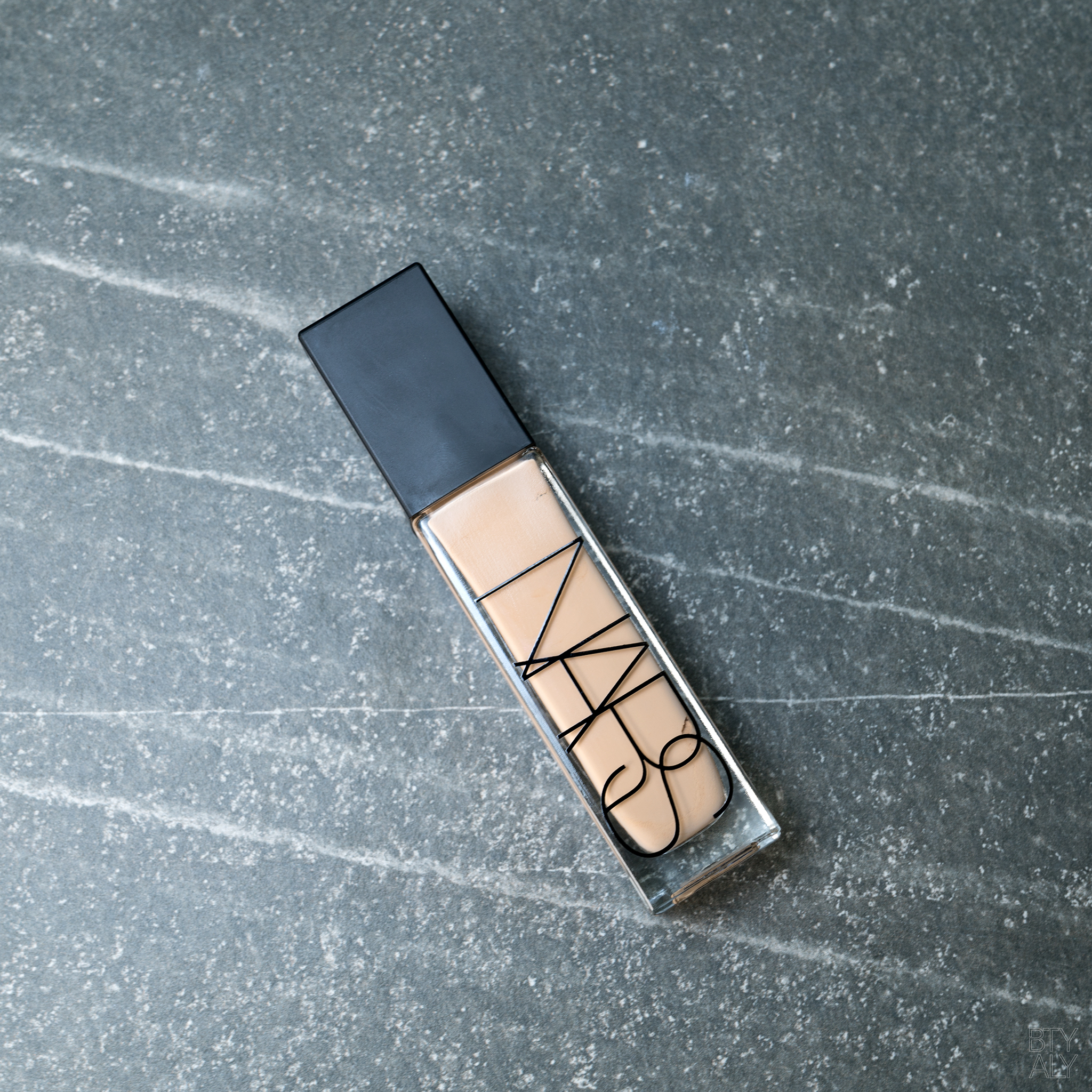Nars Natural Radiant Longwear Foundation Deauville