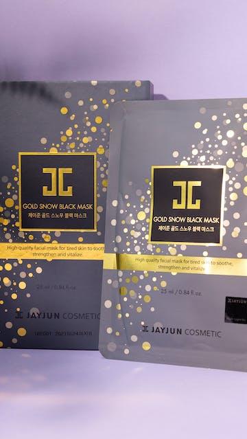 Jay Jun Cosmetics Gold Snow Black Mask